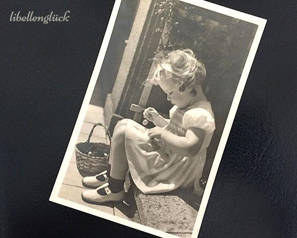 Postkarte mit Mädchen
