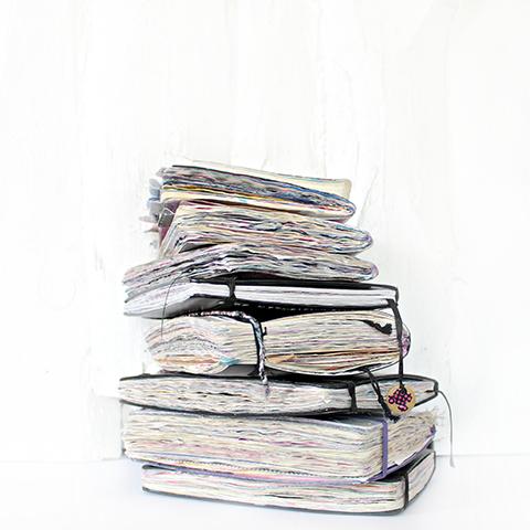Turm aus Journals von Lina @agirlwithajournal